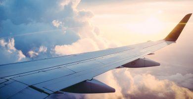 cuantos aviones vuelan al dia en el mundo
